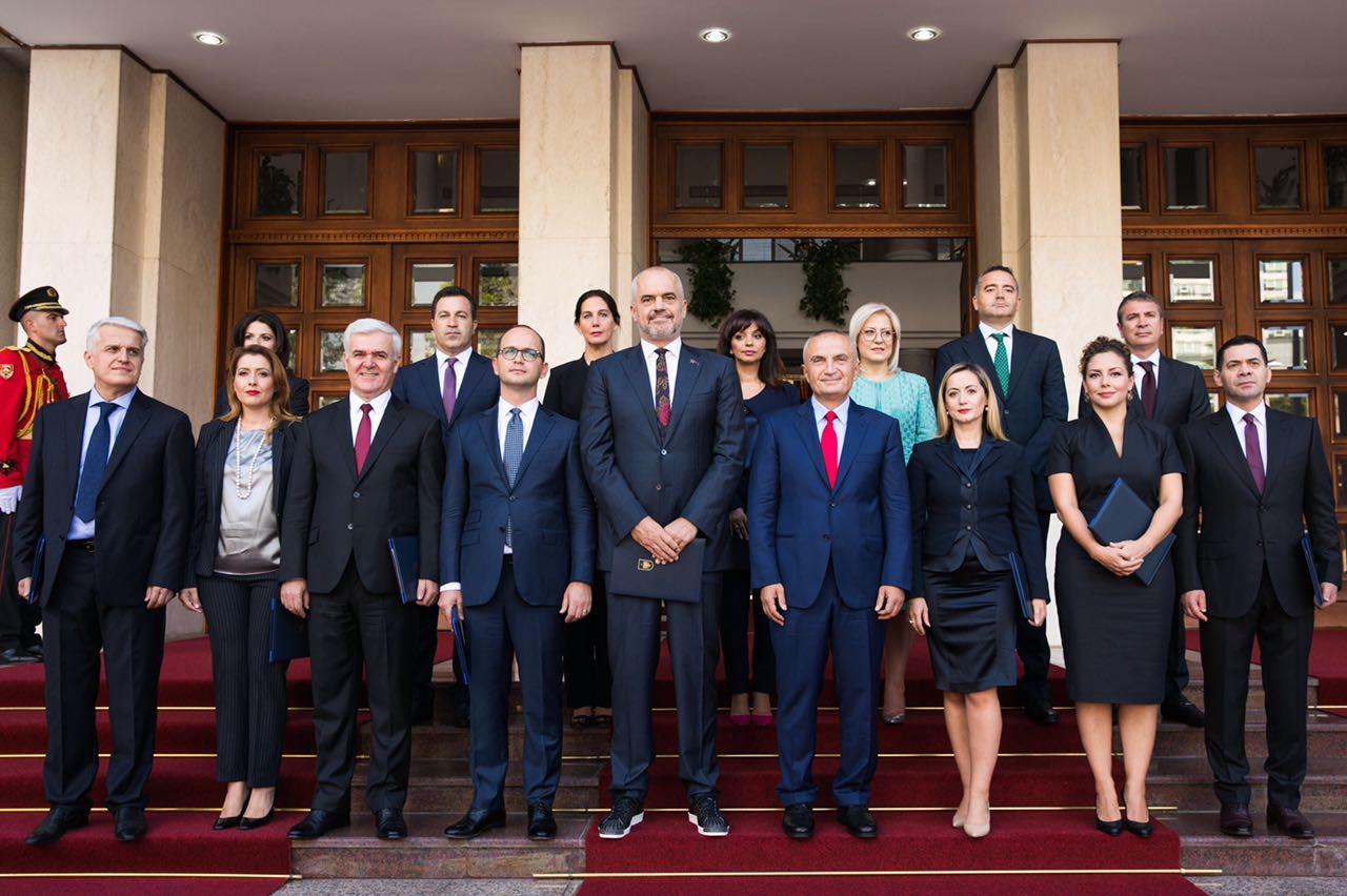fotoja e te gjitheve qeveria e re meta