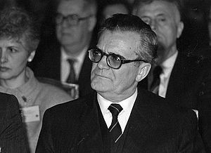 Ish-Ministri i Jashtëm, Reiz Malile