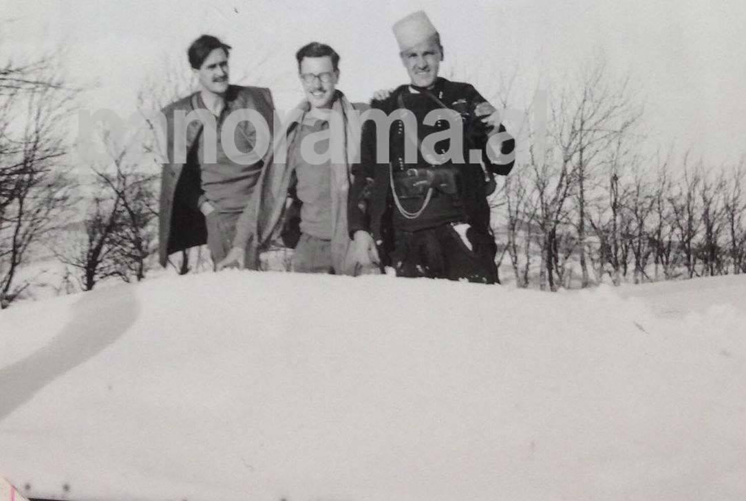 Majori Simkons me kolegun Hibert dhe Selim Noken