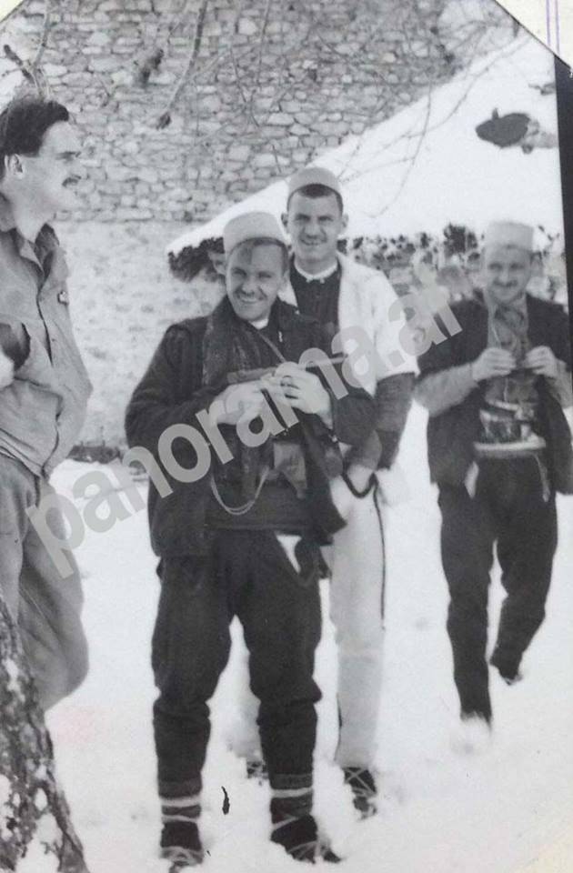 Majori Simkos me Selim Noken dhe dy shqiptarë të tjerë