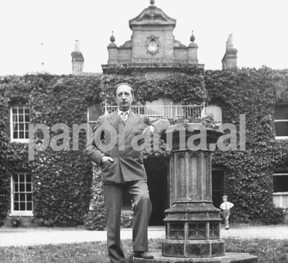 Mbreti Zog në shtëpinë Pamur gjatë qëndrimit në Britani
