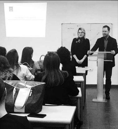 Dekani Spaho dhe ekspertja Shkurti dje gjatë leksionit