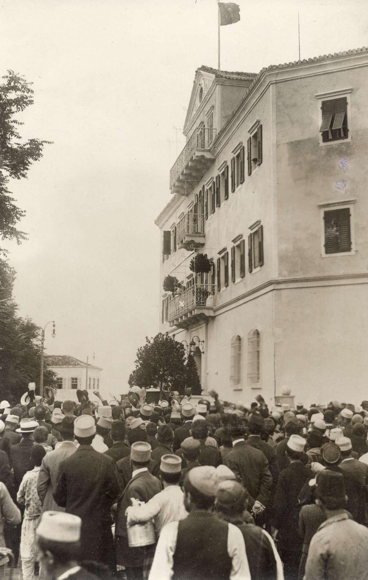 Momente nga fjalimi i Princ Vidit në Durrës, para popullit. 7 mars 1914
