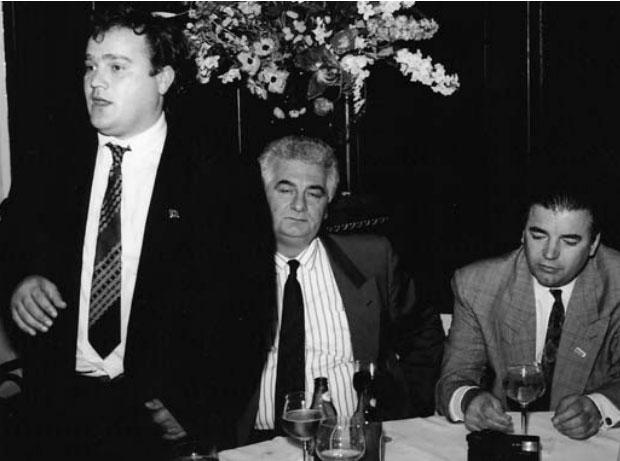 Azem Hajdari gjatë një aktiviteti politik