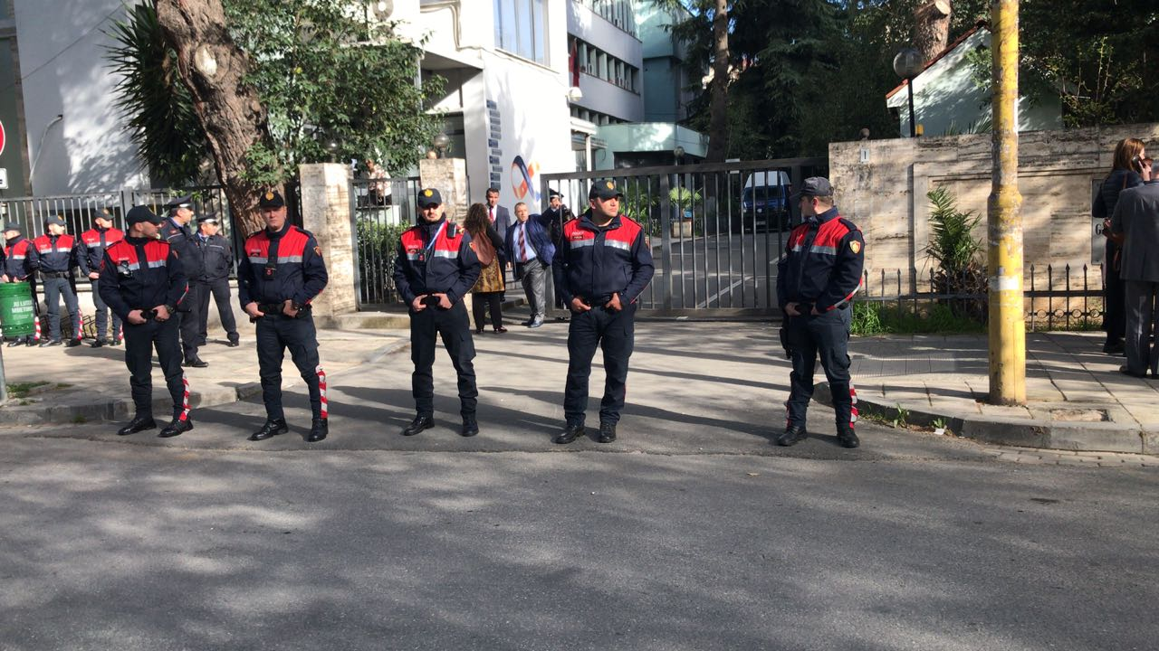 POLICIA-TEK-GJYKATA2