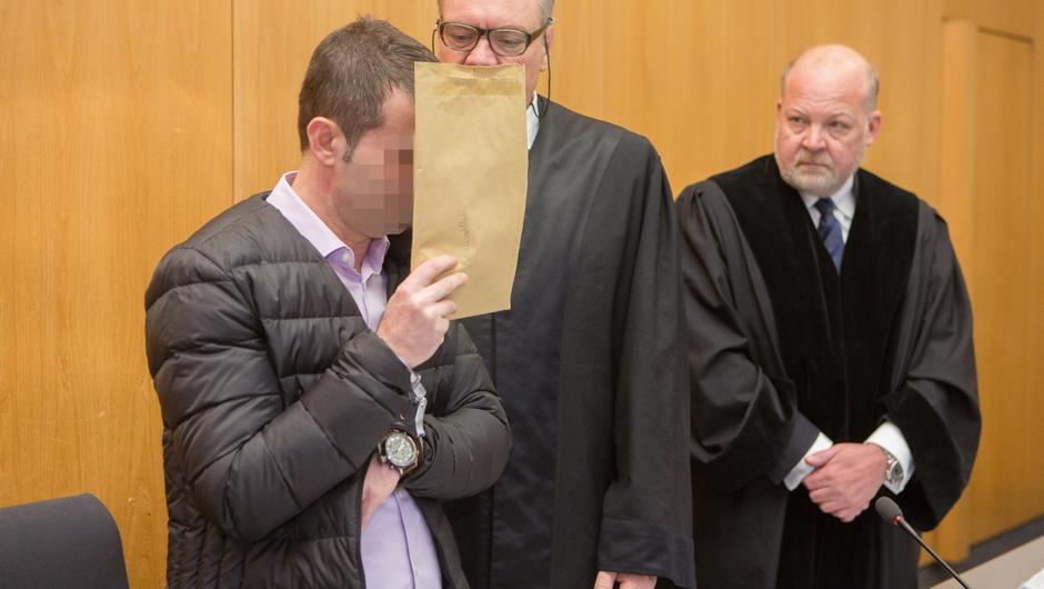 Ulm Landgericht: Vorwurf des heimtückisch und aus niederen Beweggründen begangenen Mordes, Örtlicher Bezug Erbach / Göppingen