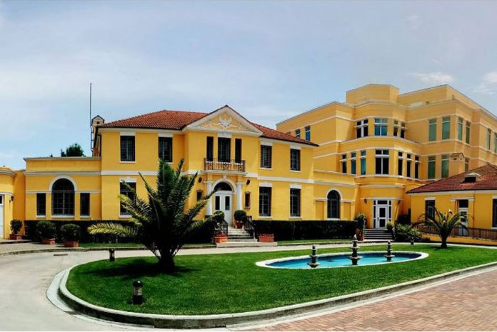 ambasada-amerikane-ne-shqiperi-700x467