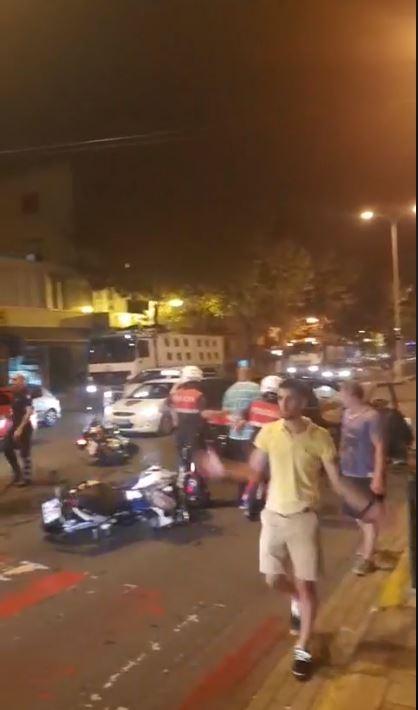 Video, foto/ Aksident në Tiranë, Tentuan t'u iknin policisë si nëpër filma pasi lëviznin me armë në makinë