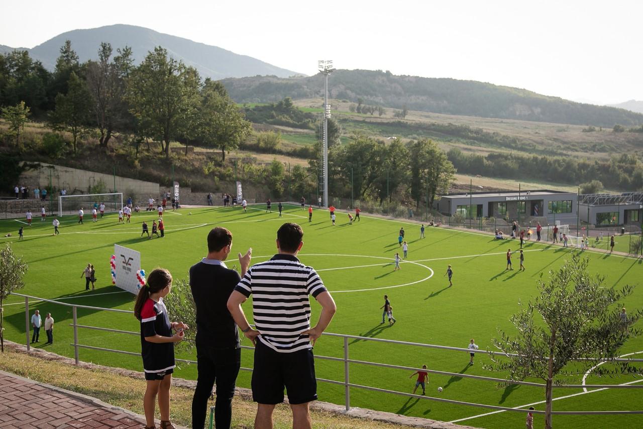 """Përurohet kompleksi i ri sportiv """"Football Republic"""", Veliaj: Do ..."""