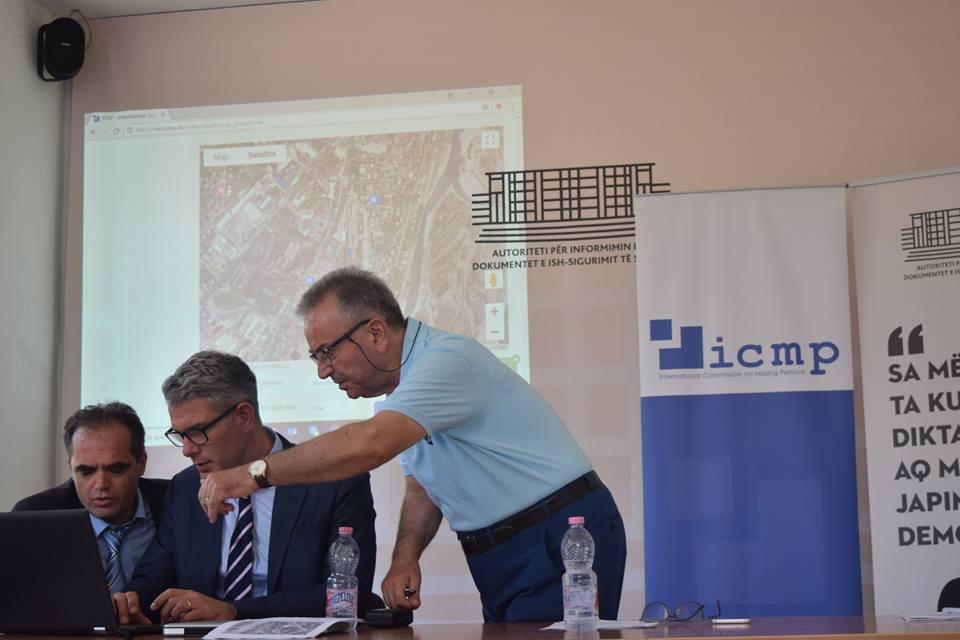 Hamza Kazazi, duke dhënë informacione rreth të afërmve të zhdukur