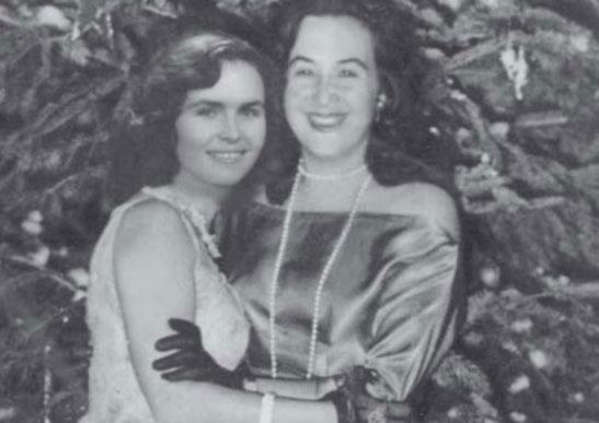 Teuta Tërshana me mikeshën e saj Flora Kati (Kllajxhi)