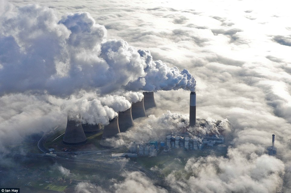 4FD2114800000578-6154439-Industrial_Britain_Smoke_billows_out_of_the_large_chimney_at_Cot-a-97_1536655815093