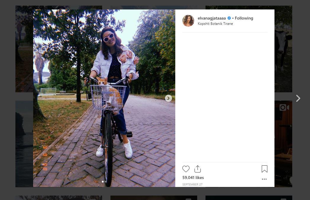 Foto ku Elvana Gjata ka bblokuar komentet