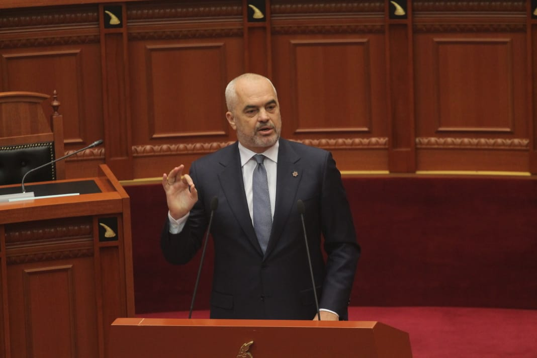 Edi-Rama-Parlament-Sander-Lleshi9