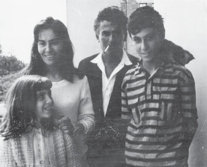 Petro Marko me familjen