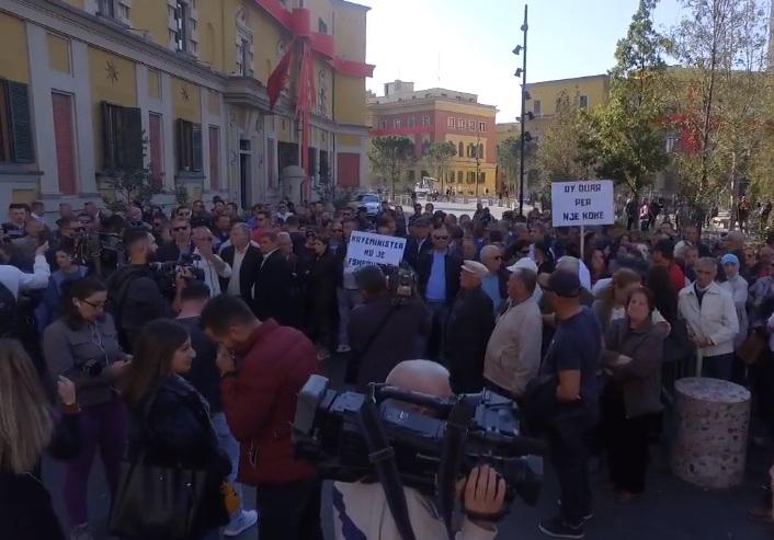 Proteste astiri