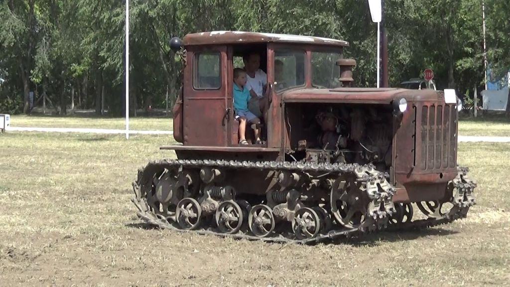 traktor-8