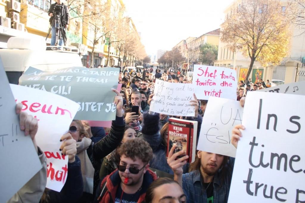 Protesta-studentet-tarifat-ministria1