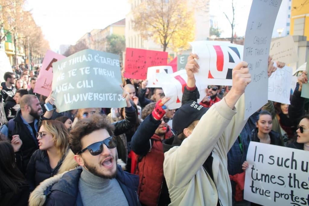 Protesta-studentet-tarifat-ministria3
