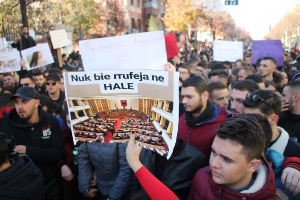 Protesta-studentet-tarifat-ministria6