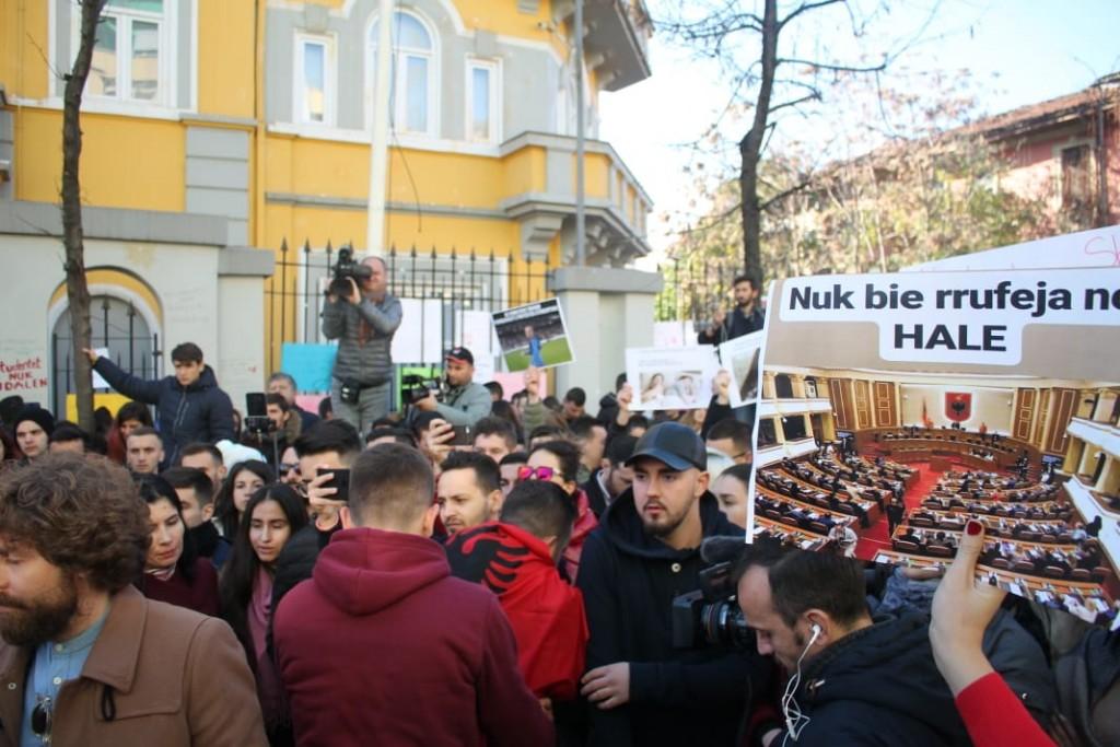 Protesta-studentet-tarifat-ministria7