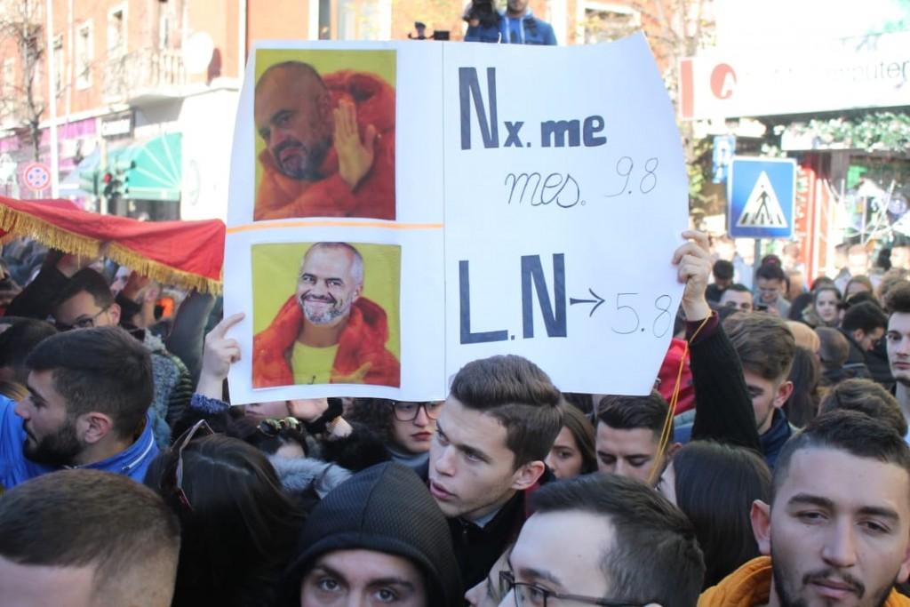 Protesta-studentet-tarifat-ministria8