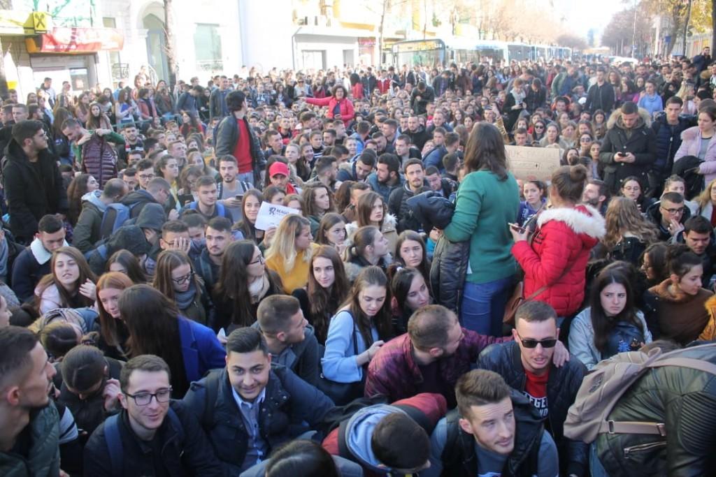 protesta-studentet-ministria5