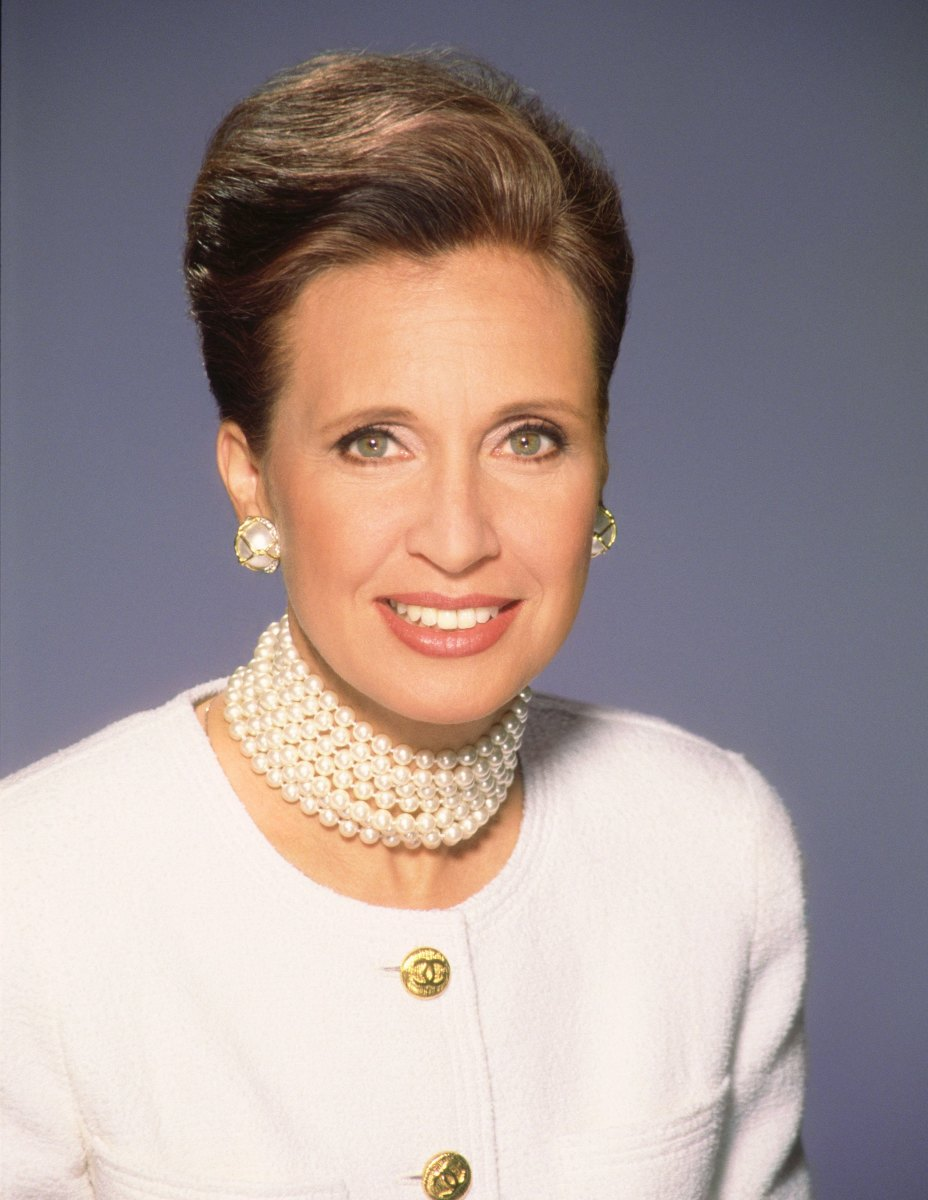 _danielle-steel-poses-for-a-portrait-in-1994-in-los-angeles-california-photo-by-harry-langdon_getty-images