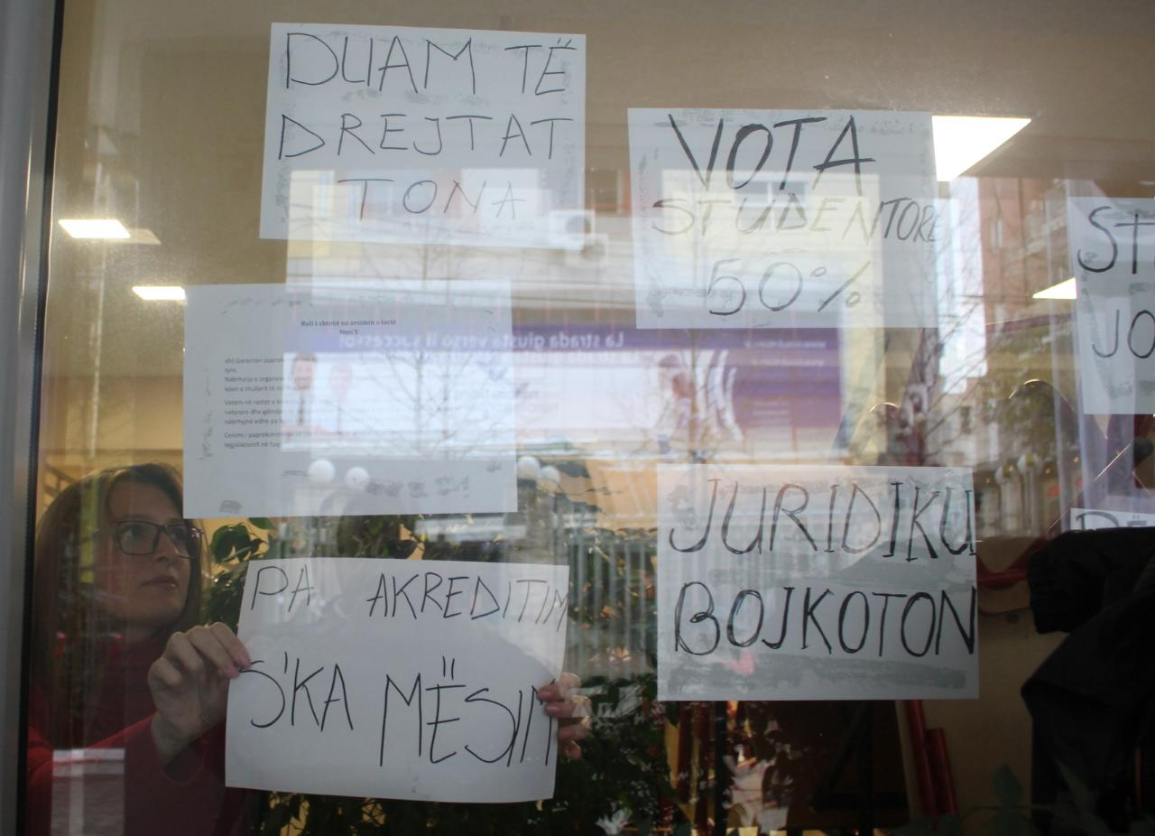 protesta-studentet-bllokimi2