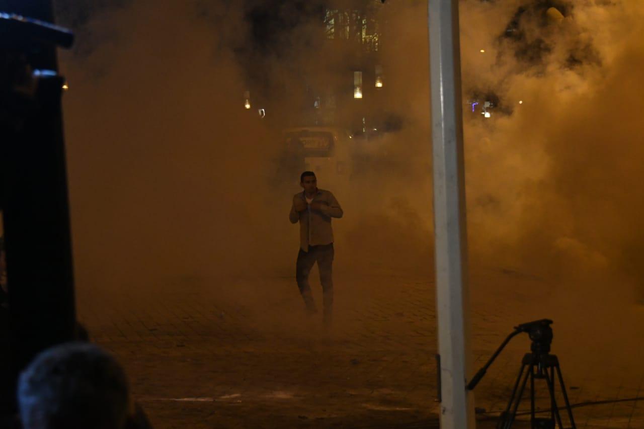 GAzilotsjelles-protesta-ikja-vra-parlamenti (3)