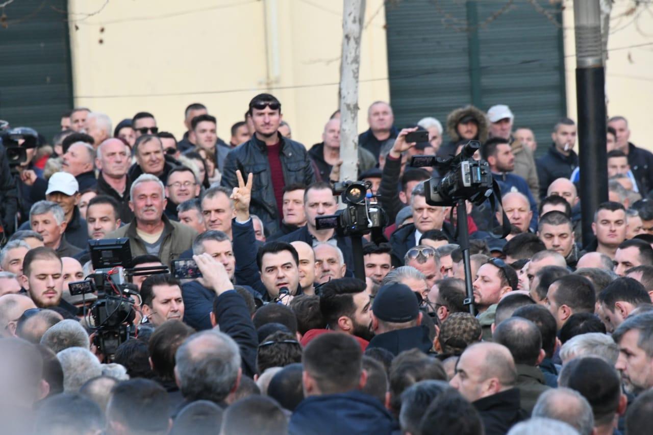 proteste-kuvend-basha3