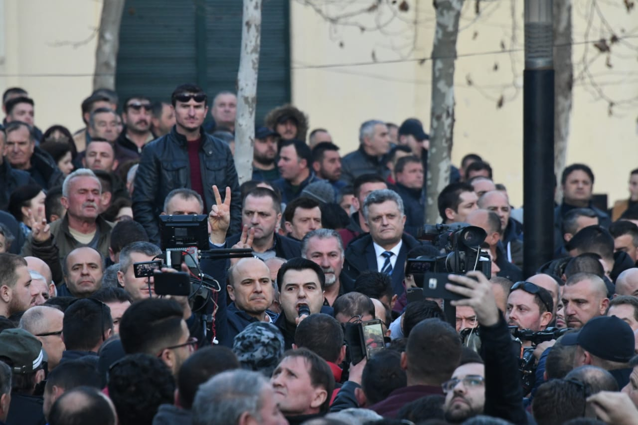 proteste-kuvend-basha7