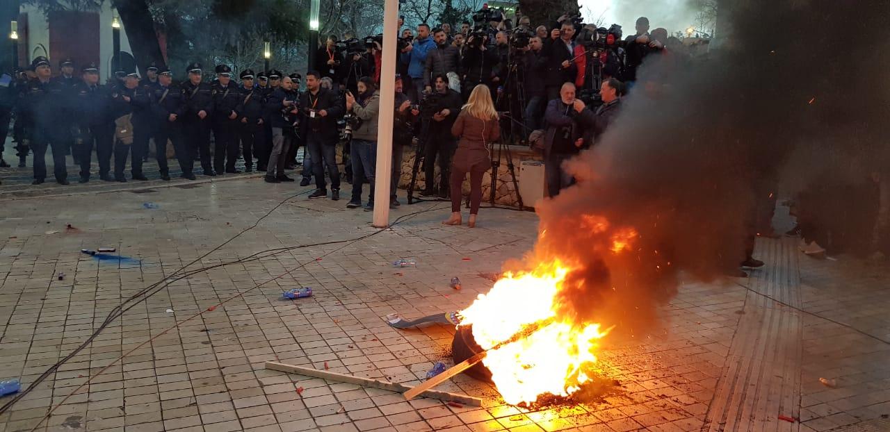 proteste-kuvend-basha8