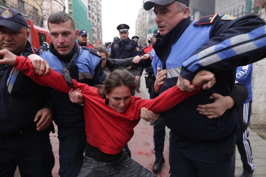 Blerta-Dervishi-policia-Shqiponjat