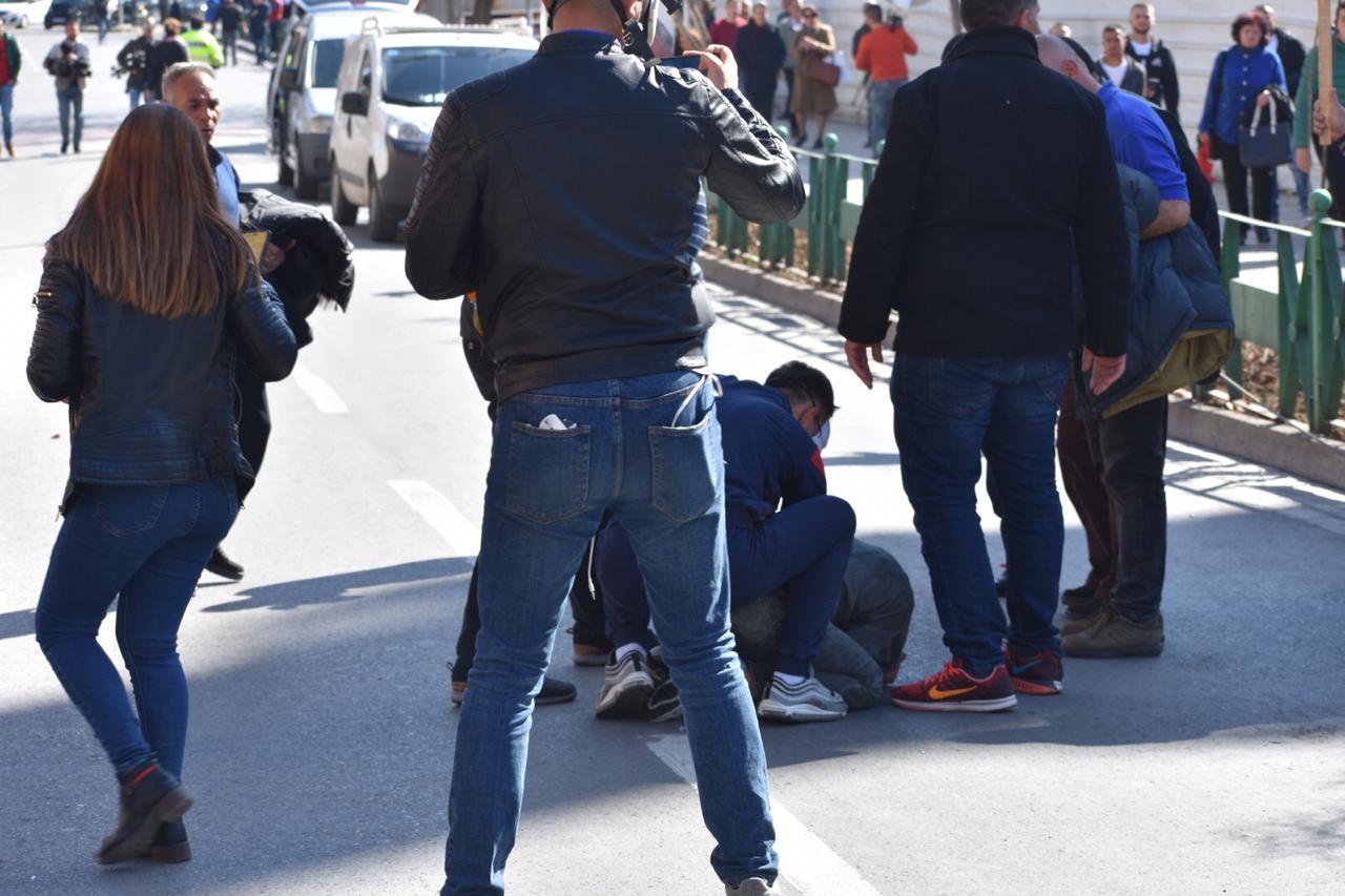 protesta-ne-foto=gazilotsjelles-tymueset-te-lenduarit1