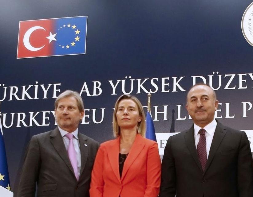 Mogherini, MPJ i Turqisë Çavusoglu dhe Hahn