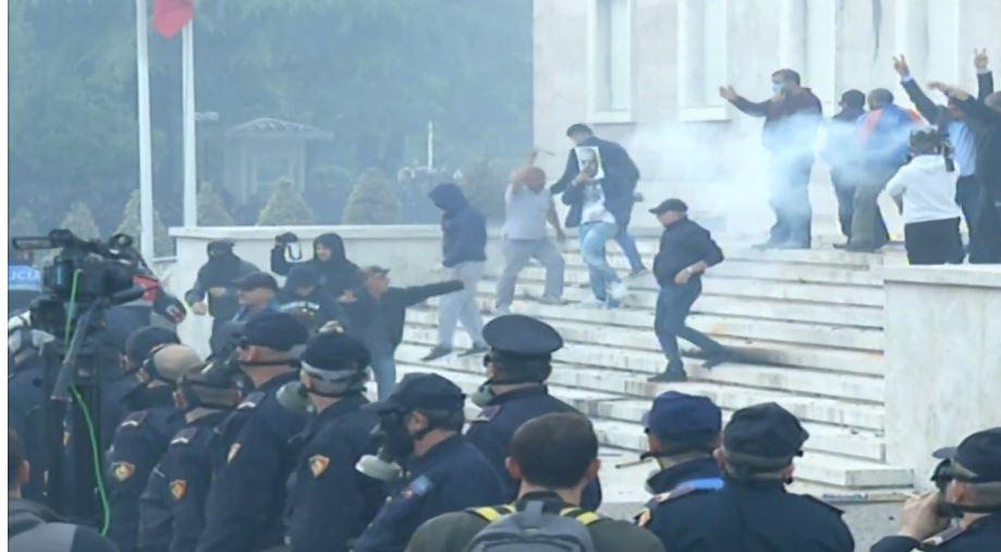 Protesta-cahet-kordoni