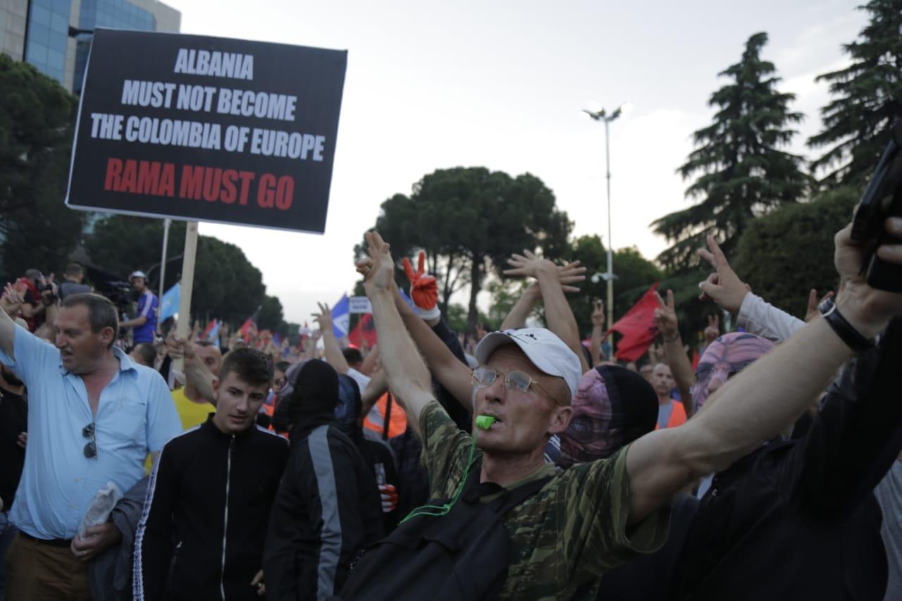 protestuesit-opozites-8qershori