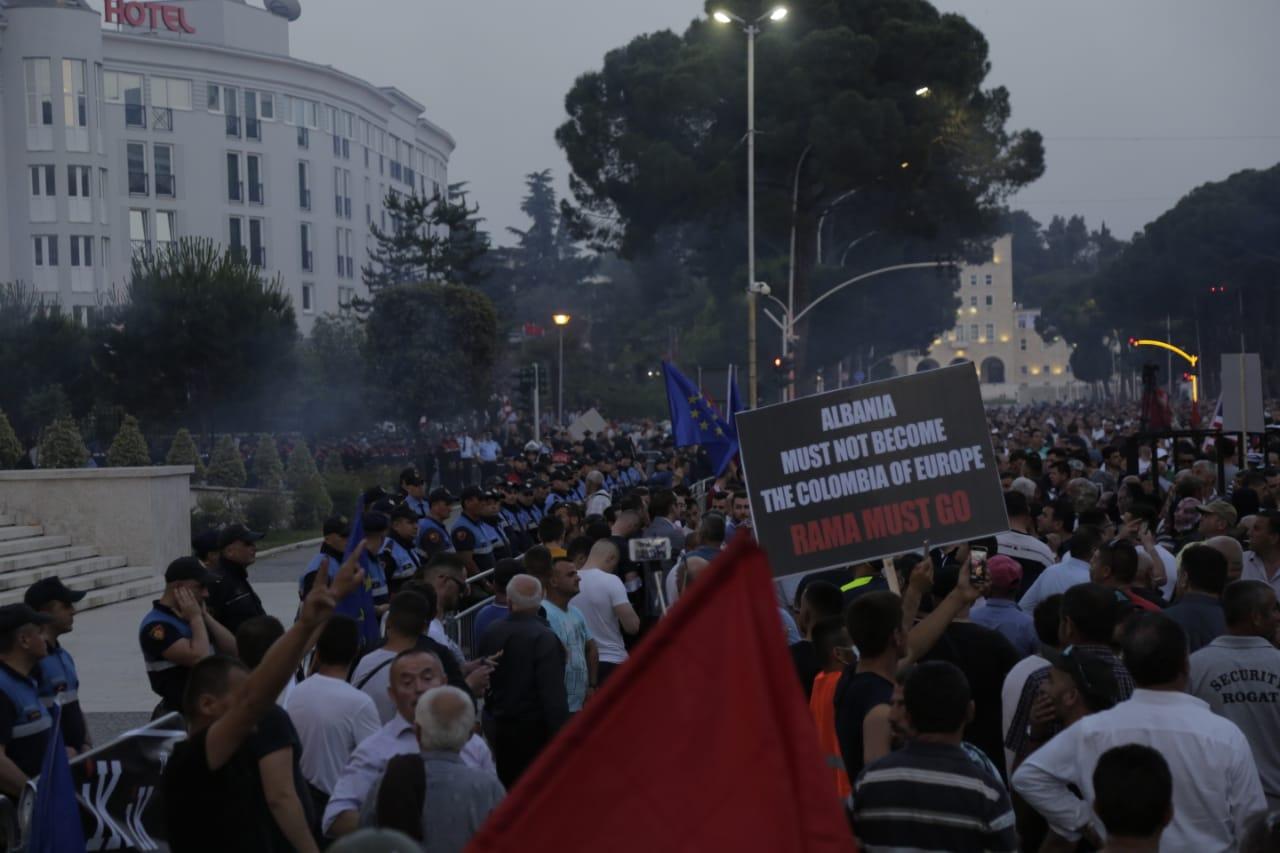 protestuesit-opozites-8qershori1