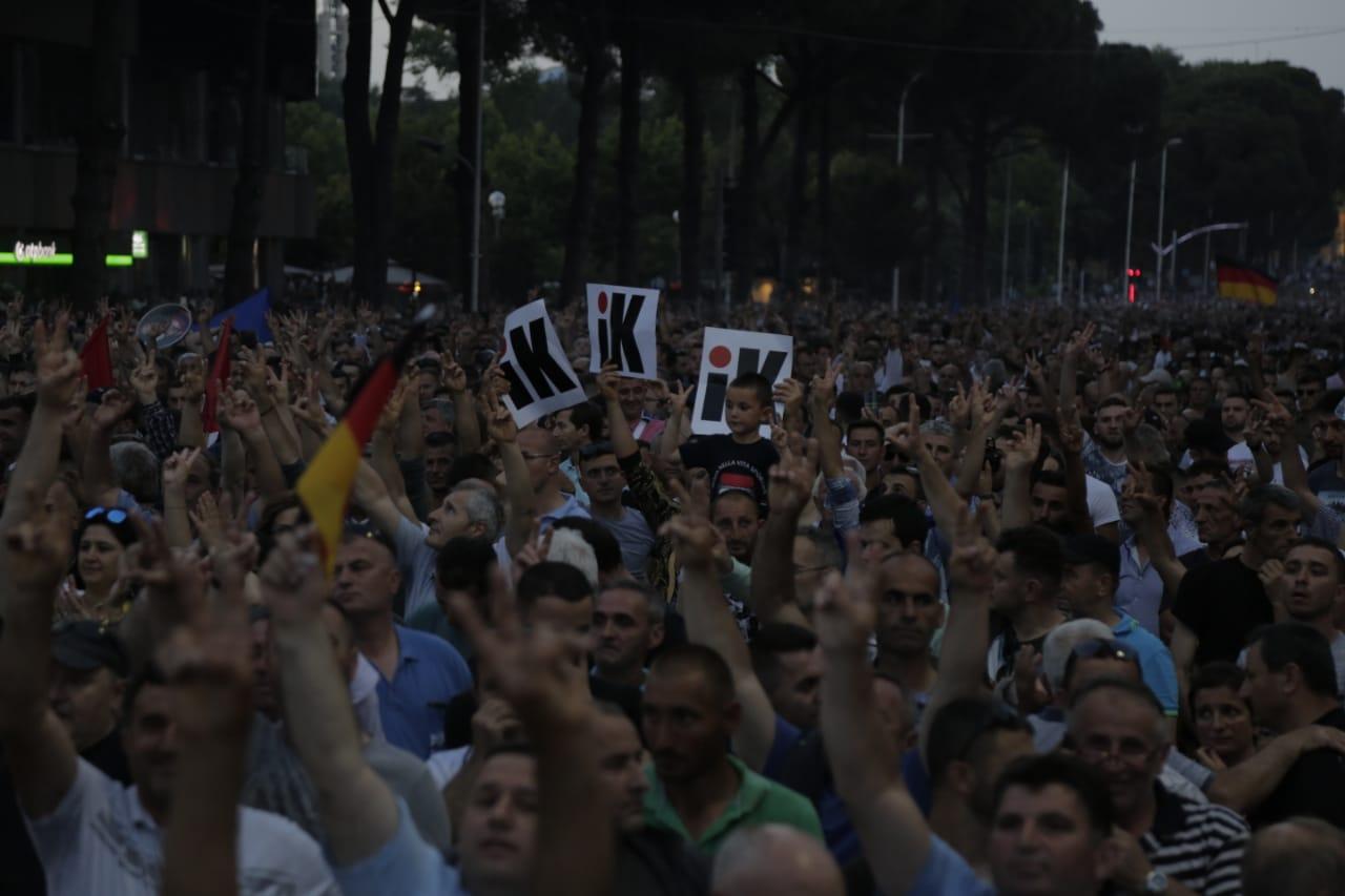 protestuesit-opozites-8qershori11