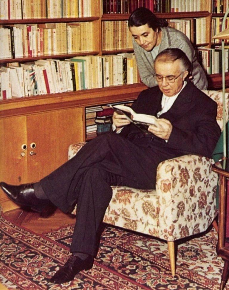 Nexhmije-Hoxha dhe Enver Hoxha1