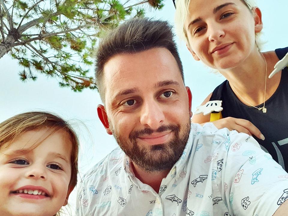 Erion Isai shpërngulet me familjen në Ersekë, jeta e re si kryetar bashkie  i provincës, larg televizionit