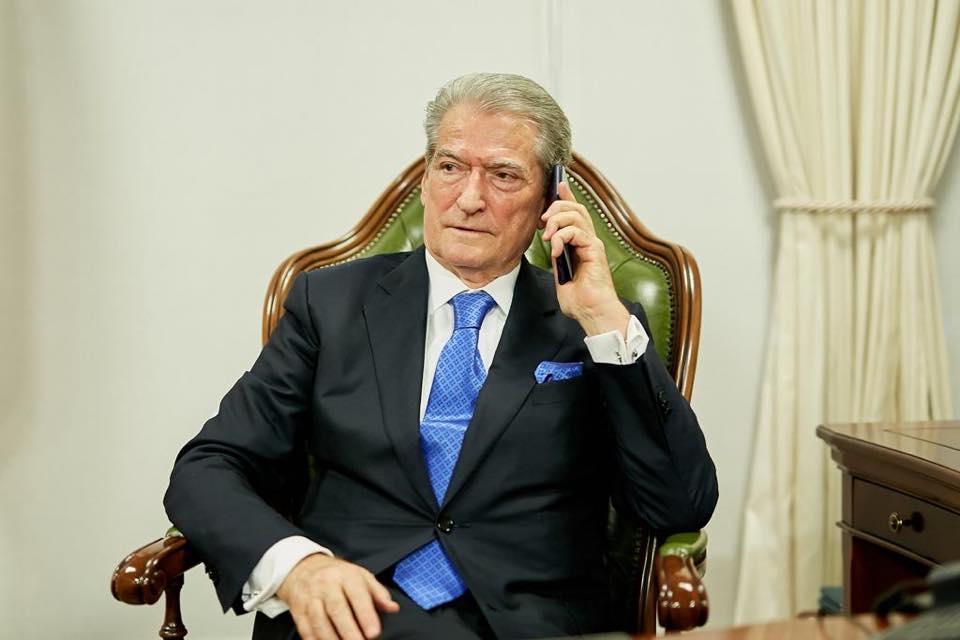 sali-berisha-telefon