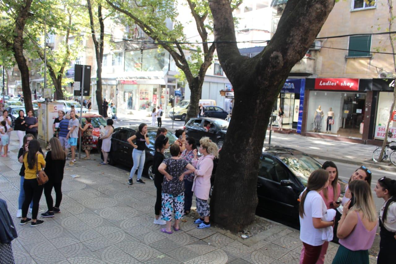 Qytetaret termeti Tirana (8)