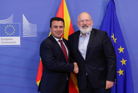 epa07926665 North Macedonia's Prime Minister Zoran Zaev (R) is welcomed by Frans Timmermans, First Vice President of the European Commission and Commissioner for Better Regulation, Inter-Institutional Relations, Rule of Law and Charter of Fundamental Rights (L) ahead of a meeting at the European Commission in Brussels, Belgium, 17 October 2019. EPA/STEPHANIE LECOCQ