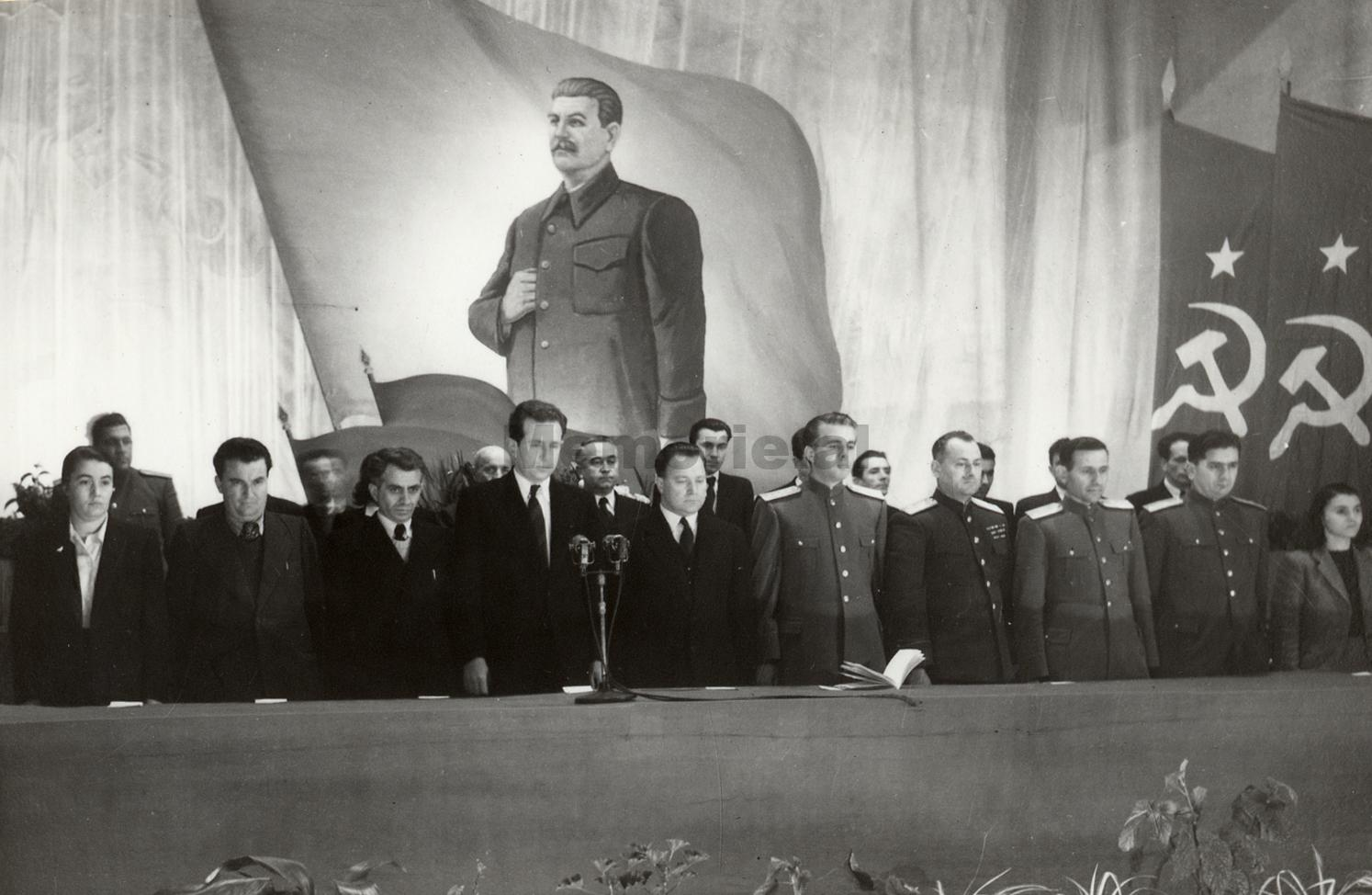 E-Hoxha-1