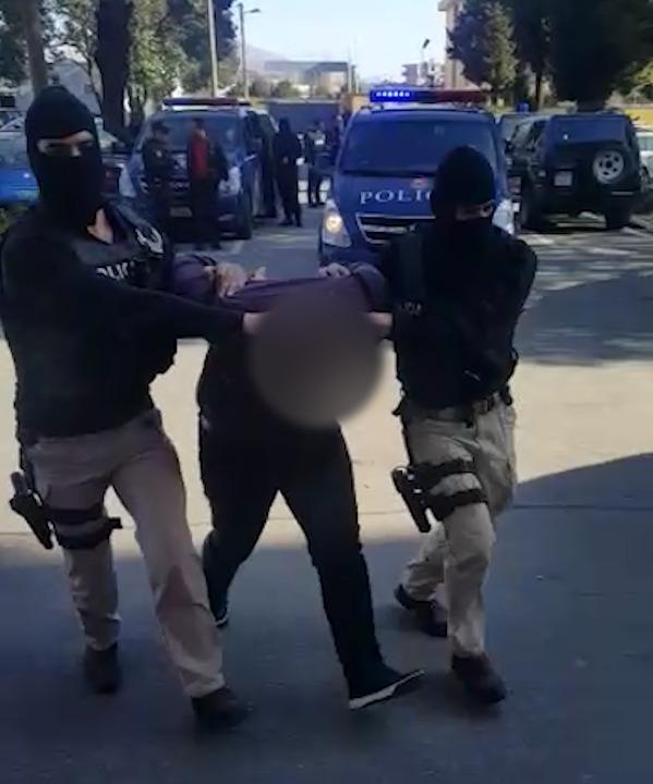 arrestim-policia