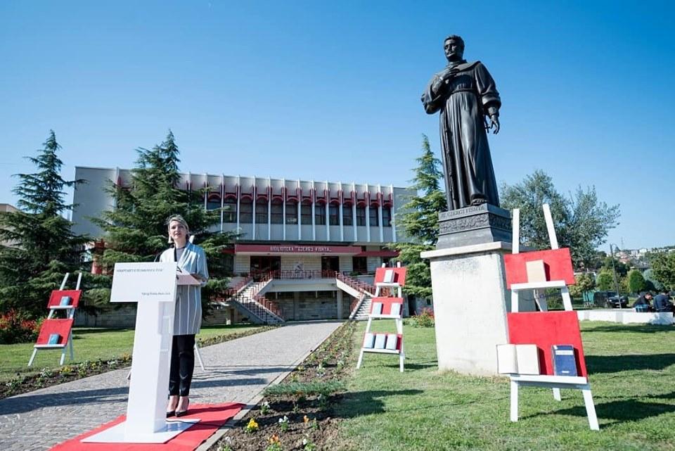Ministrja Margariti, dje në Lezhë
