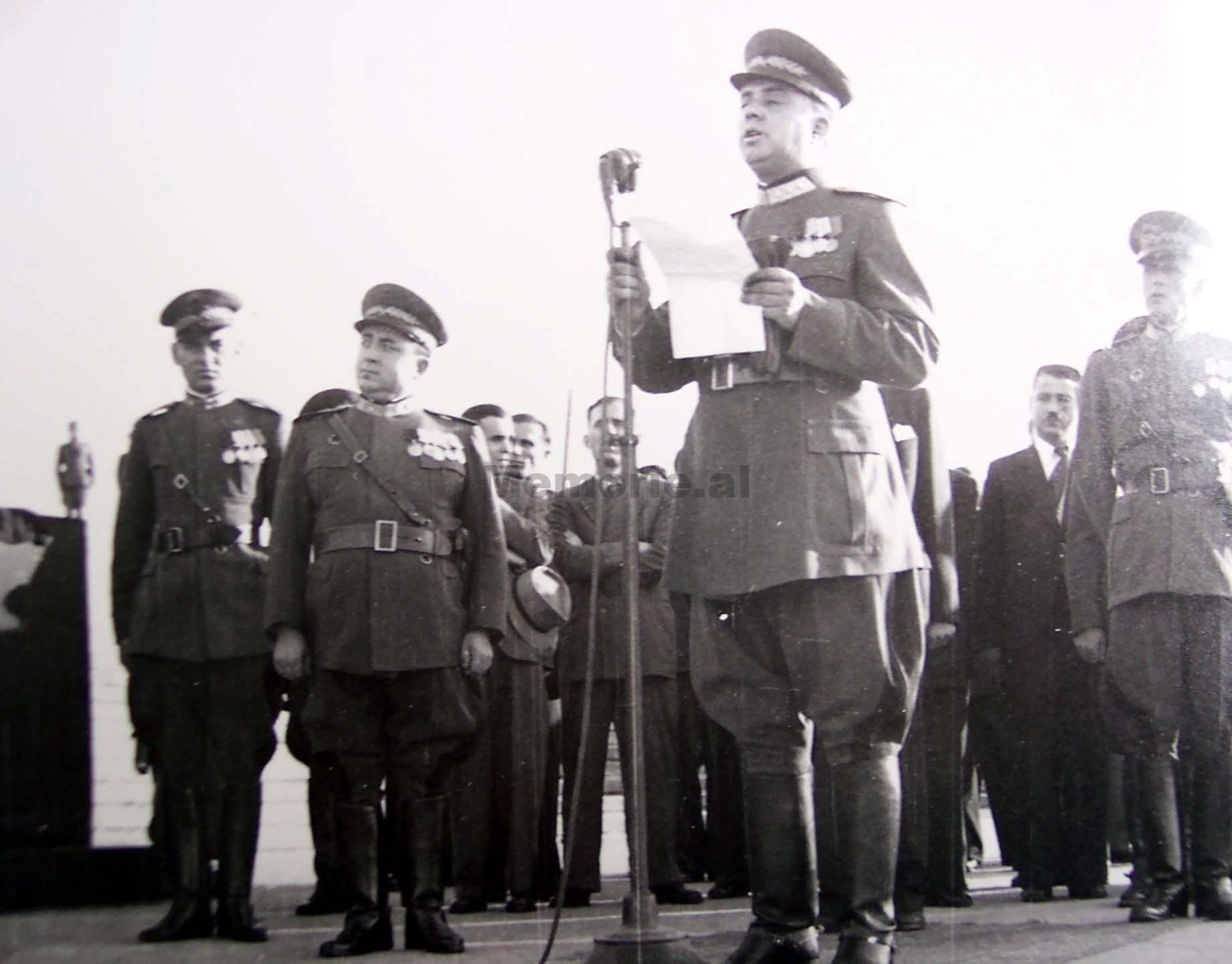 enver-hoxha-jugosllavi-iken_7612