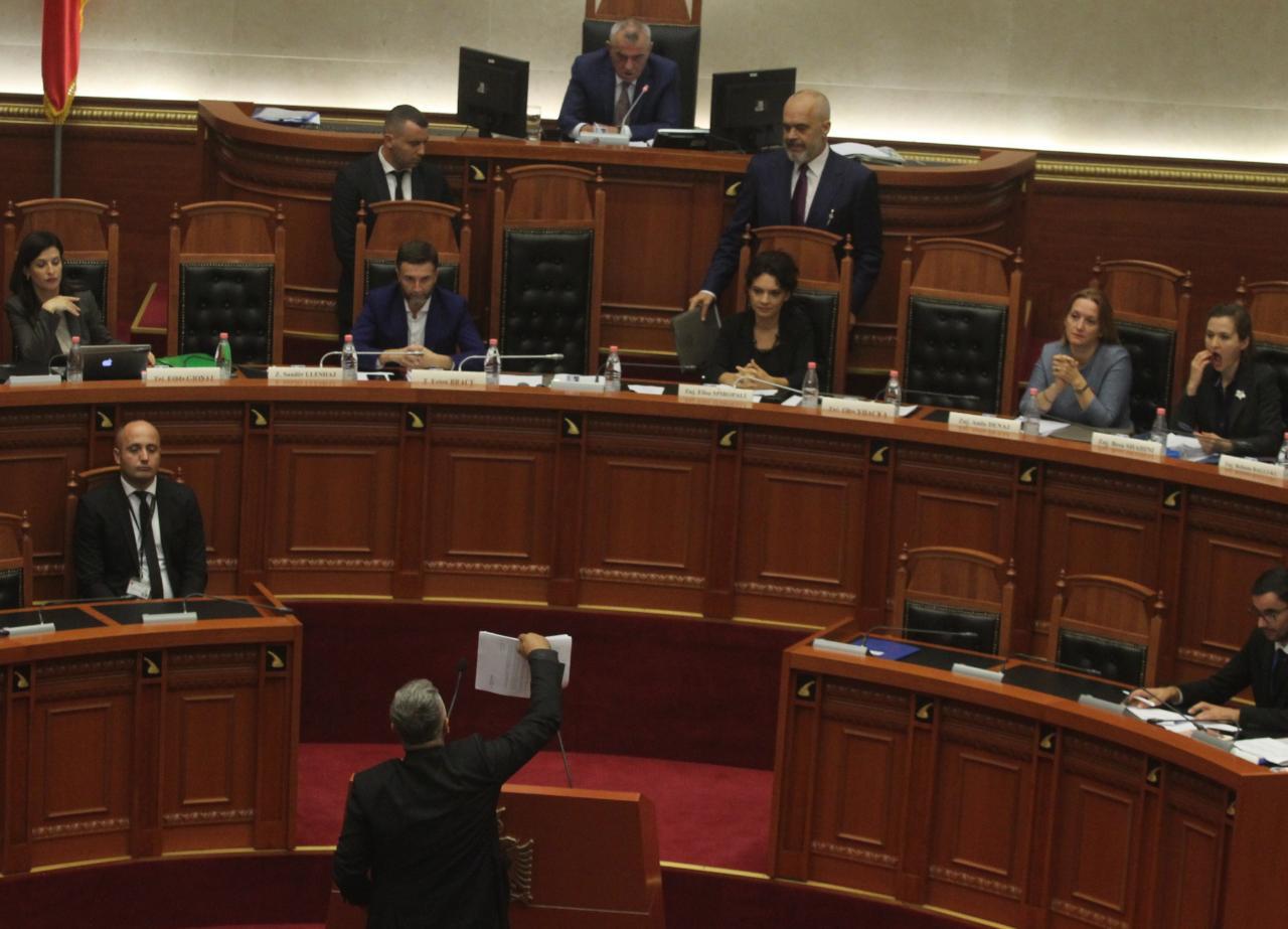 rama parlament mimika-gjuzi-opozita (4)